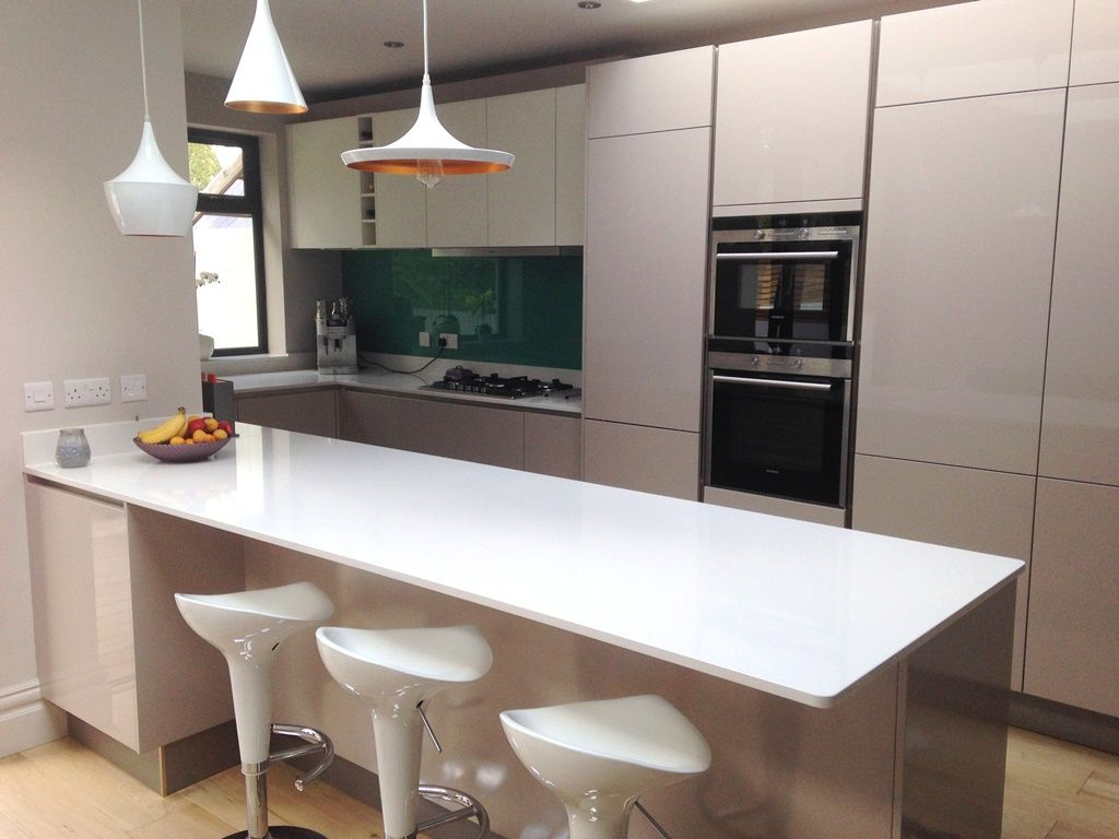 This Newly Fitted Kitchen Looks Fab U0026 Fresh In Cashmere U0026 Soft White German  Made Cabinets