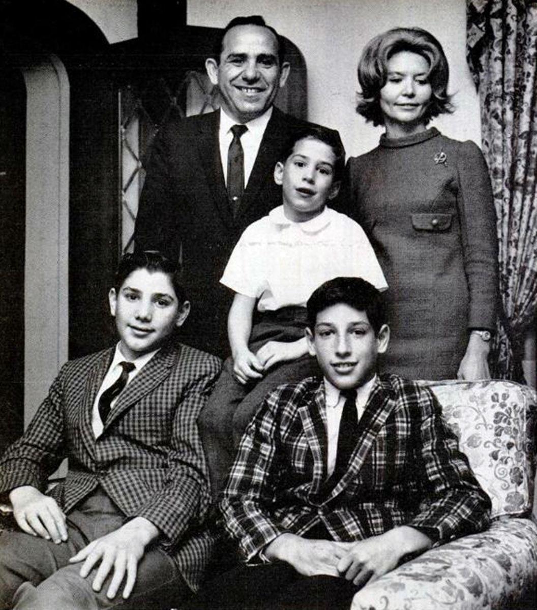 Yogi Berra With Family Yogi Berra Yogi Yogi Isms
