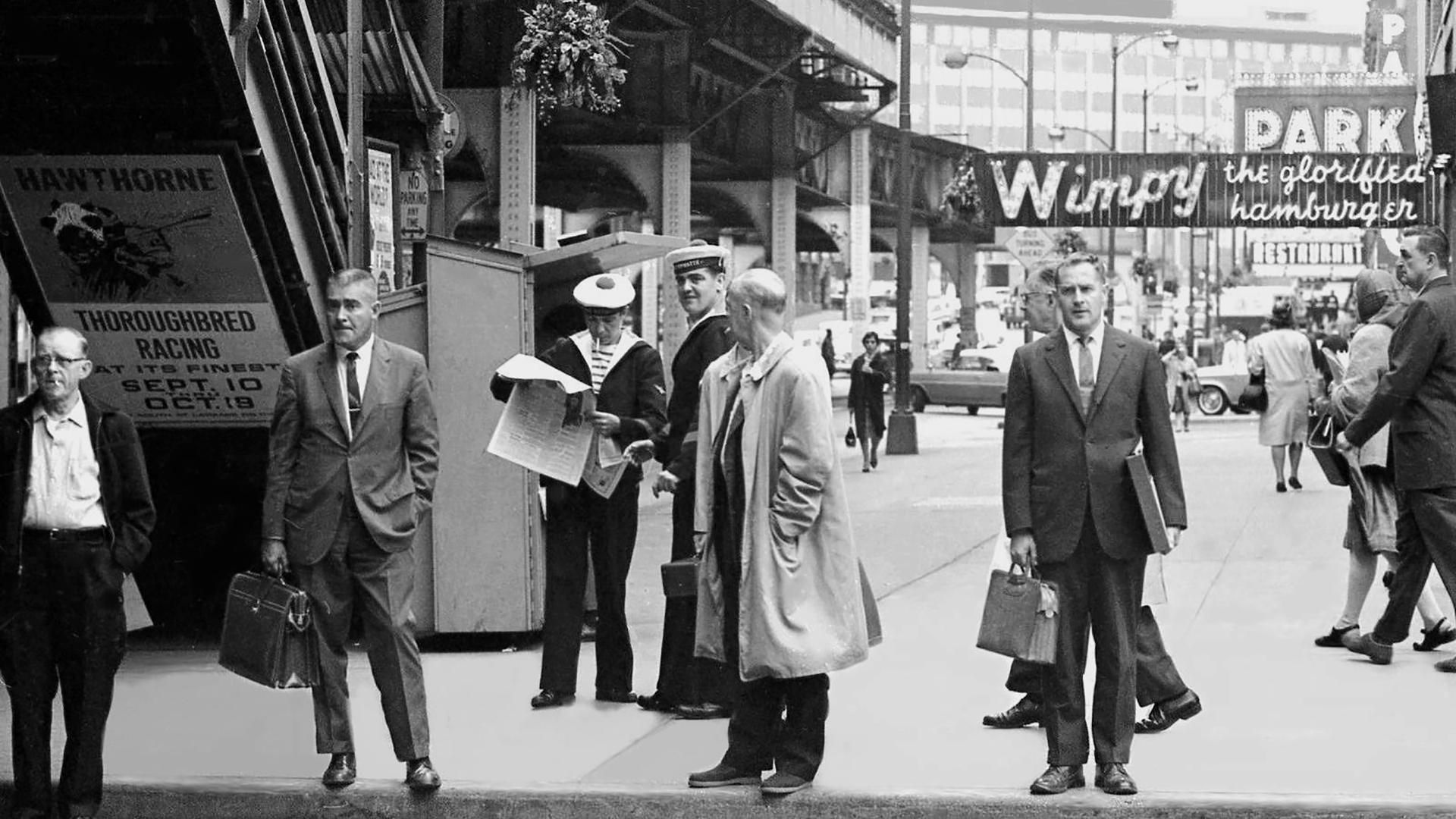 Washington Wabash In The 60 S Notice Wimpy S Hamburger In The Background Chicago Photos Wabash Chicago History