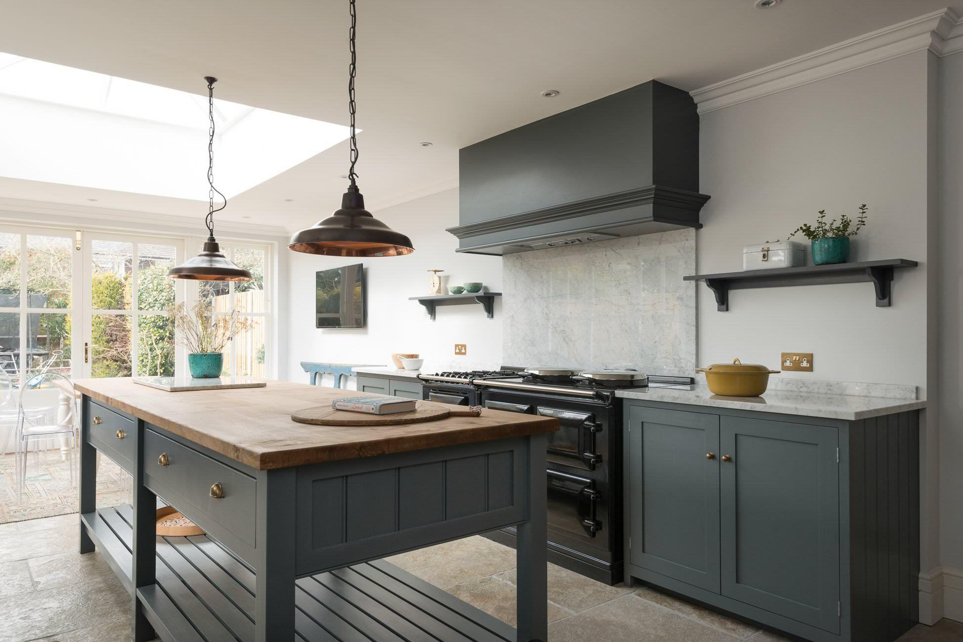 hampton court kitchen devol kitchens barnhouse ideas