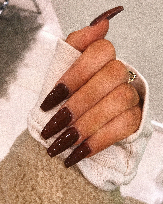 Chocolate Acrylics Nails Acrylicnails Coffinnails Brown Acrylicnailsnatural In 2020 Brown Acrylic Nails Coffin Nails Designs Brown Nails