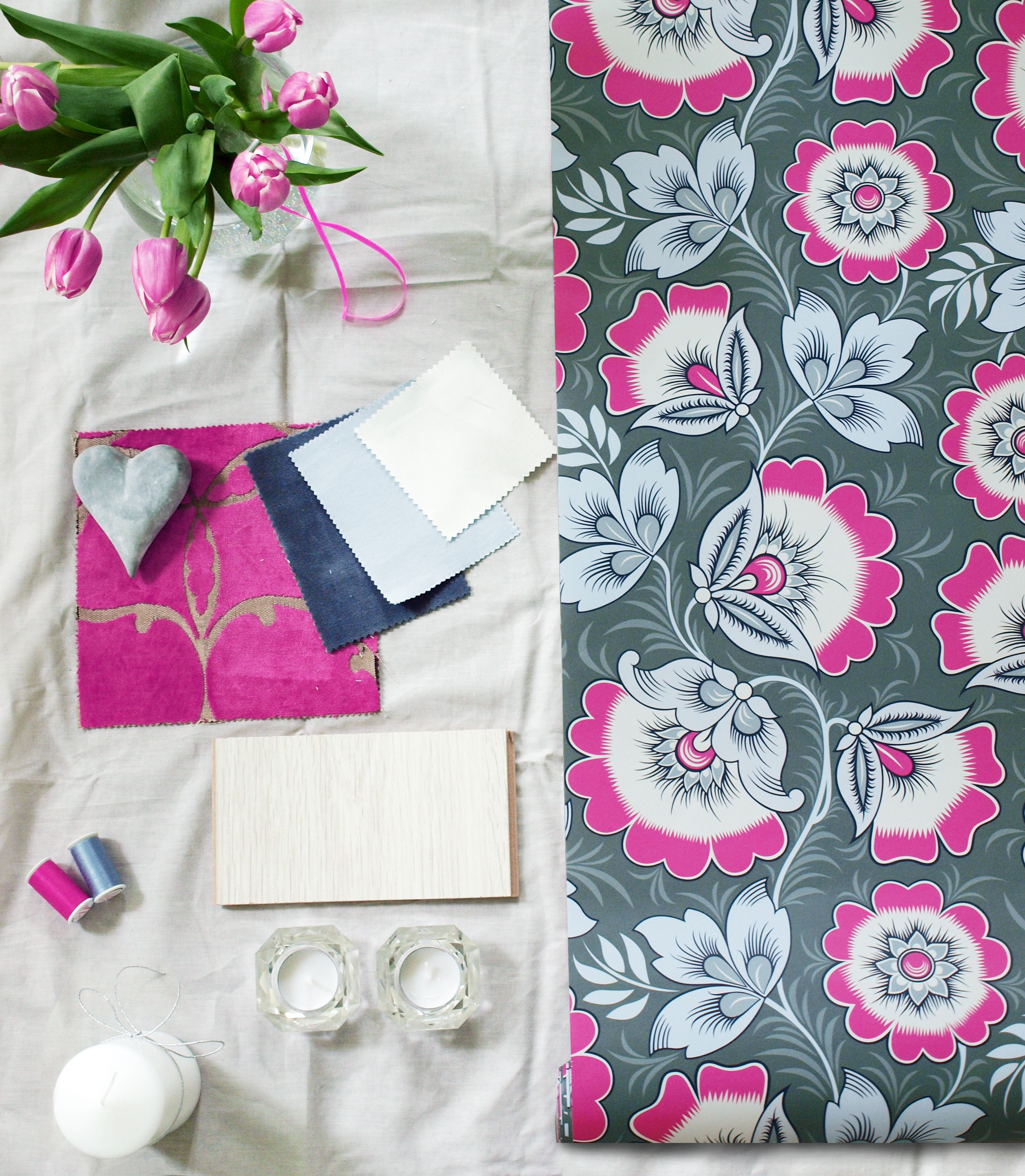 Neva Pink and Grey Floral wallpaper, Pink and grey