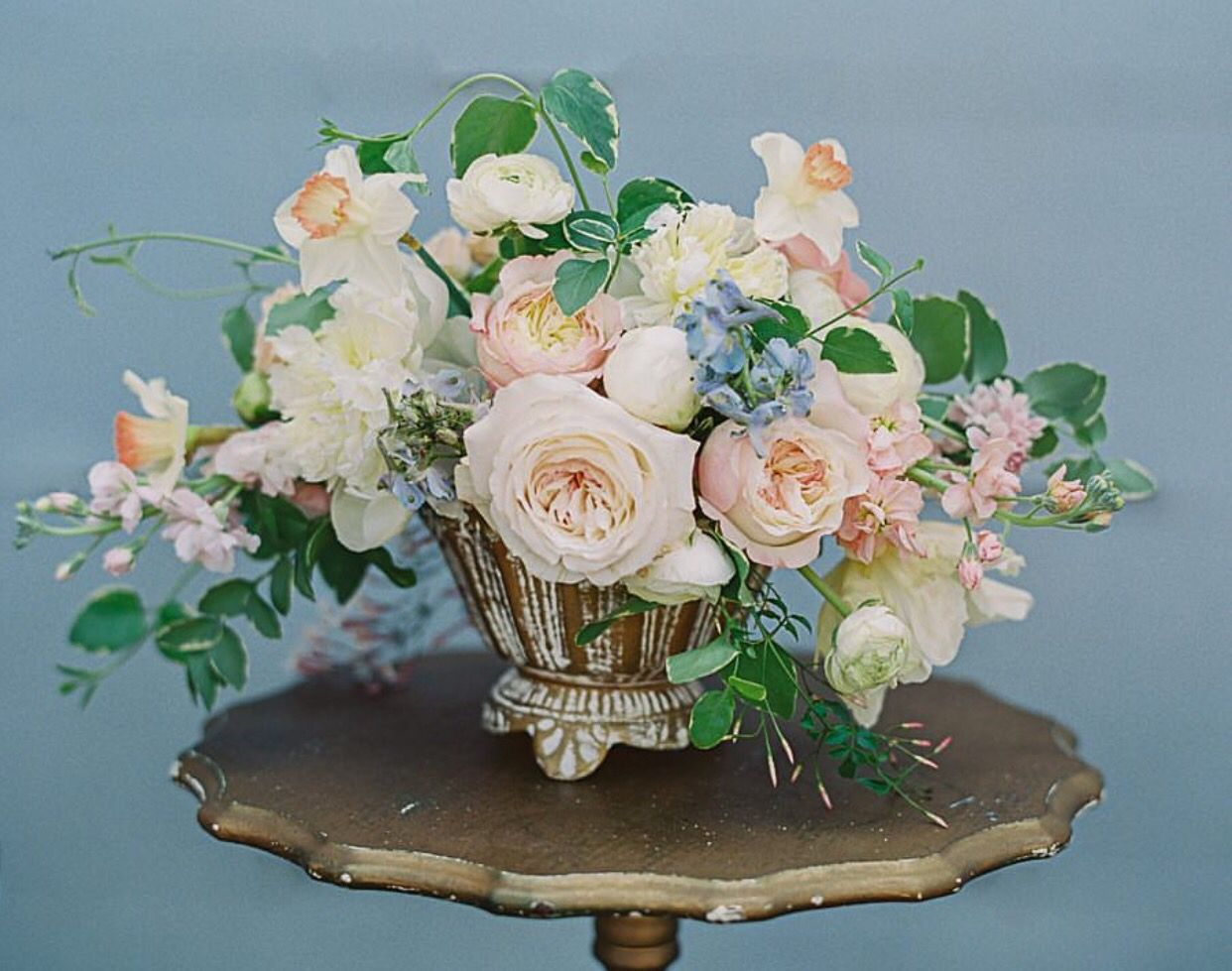 Fleur & Lumière fine art wedding flower arrangement | Jennifer Blair Photography