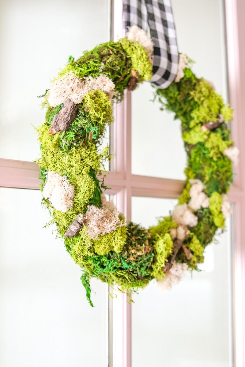 Photo of DIY Moss Wreath for Spring