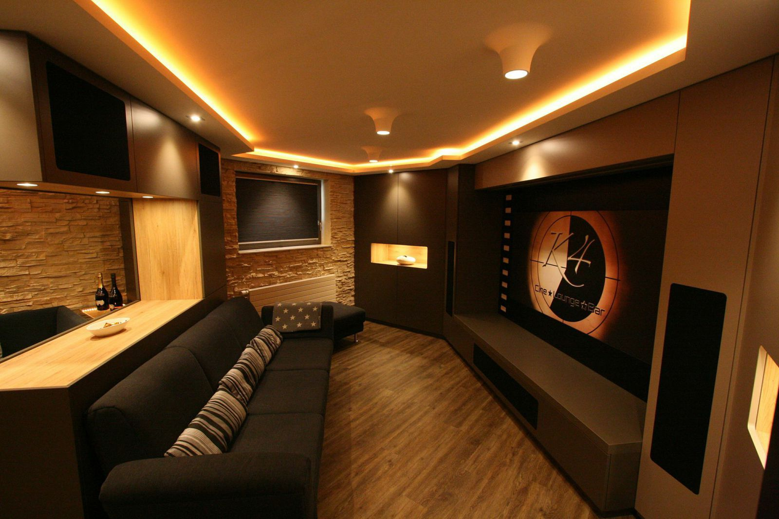 Heimkino K4 Cine Lounge Bar  Kino  Home theater