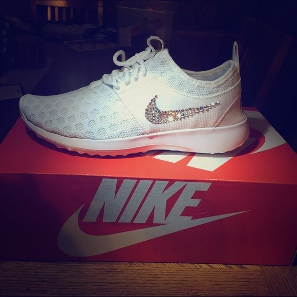 Swarovski white women's Nike juvenate bling shoes Sooooooo sparkly Nike  women's Nike juvenate brand new now