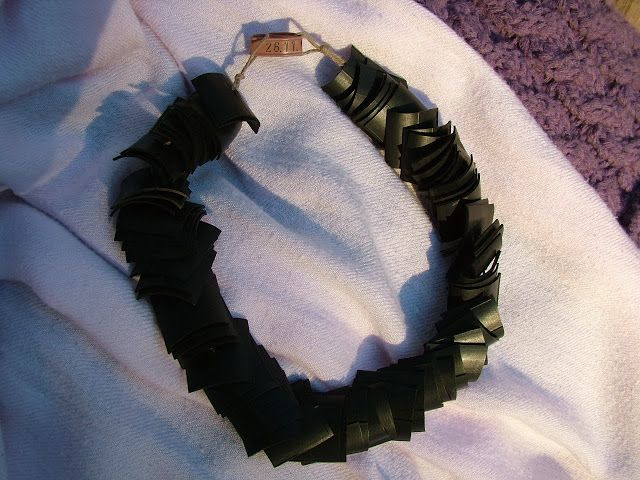 Statementkette aus Fahrradschlauch / Necklace made from bicycle tube