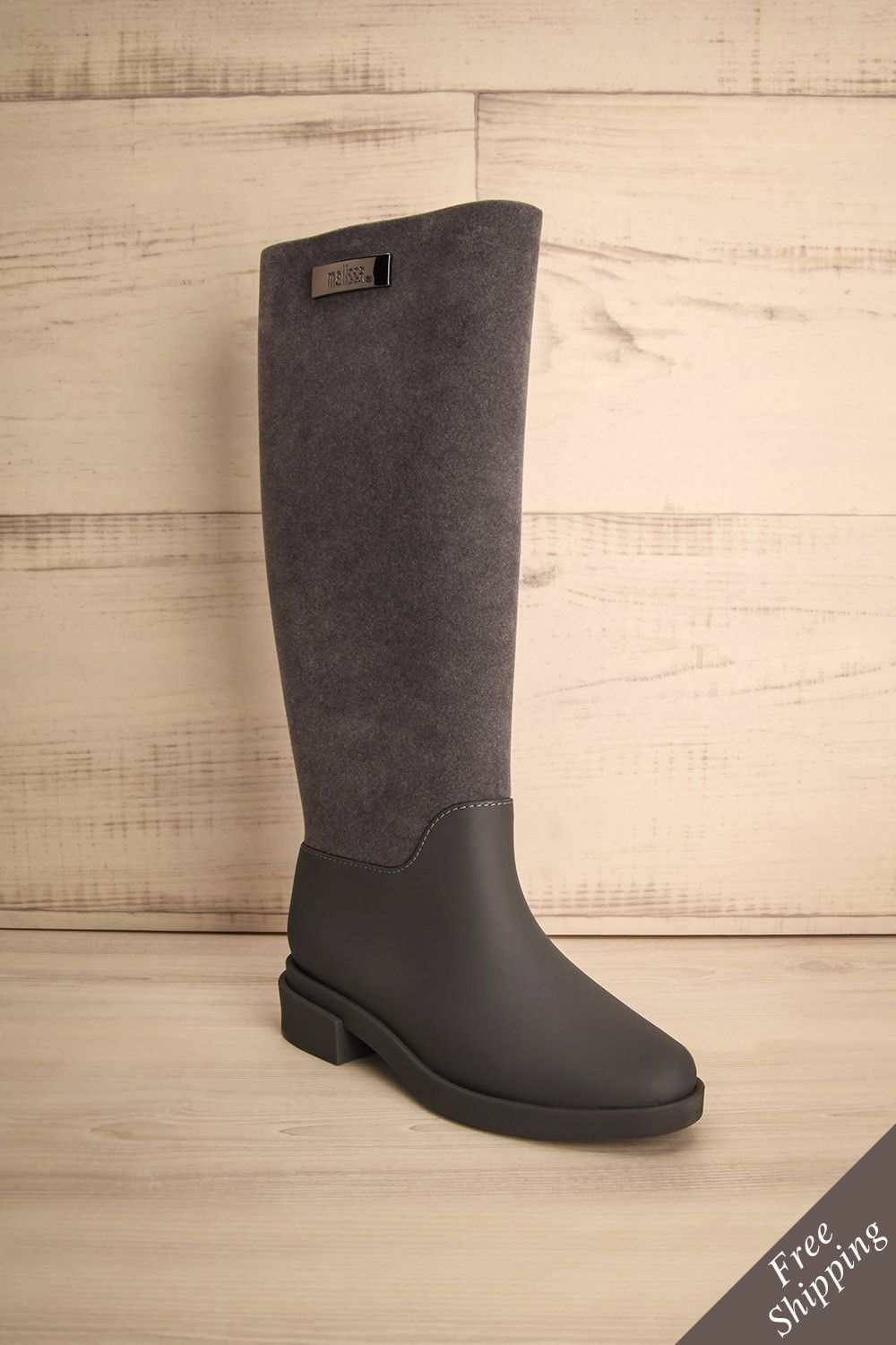 Beau temps, mauvais temps, elle était toujours prête ! Good times or bad, she was ready for anything! Grey boots https://1861.ca/products/hearst-grey