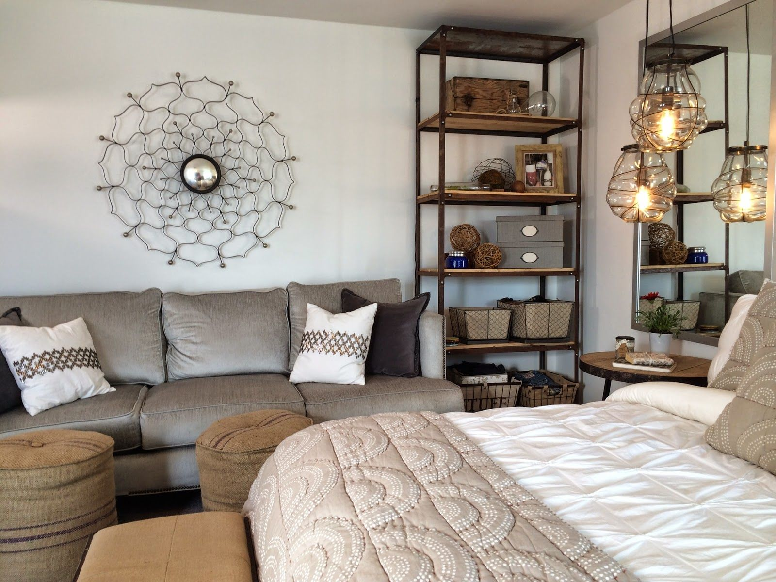 House, Home, Apartment Decor: Studio / Bachelorette   Feminine Decor ...