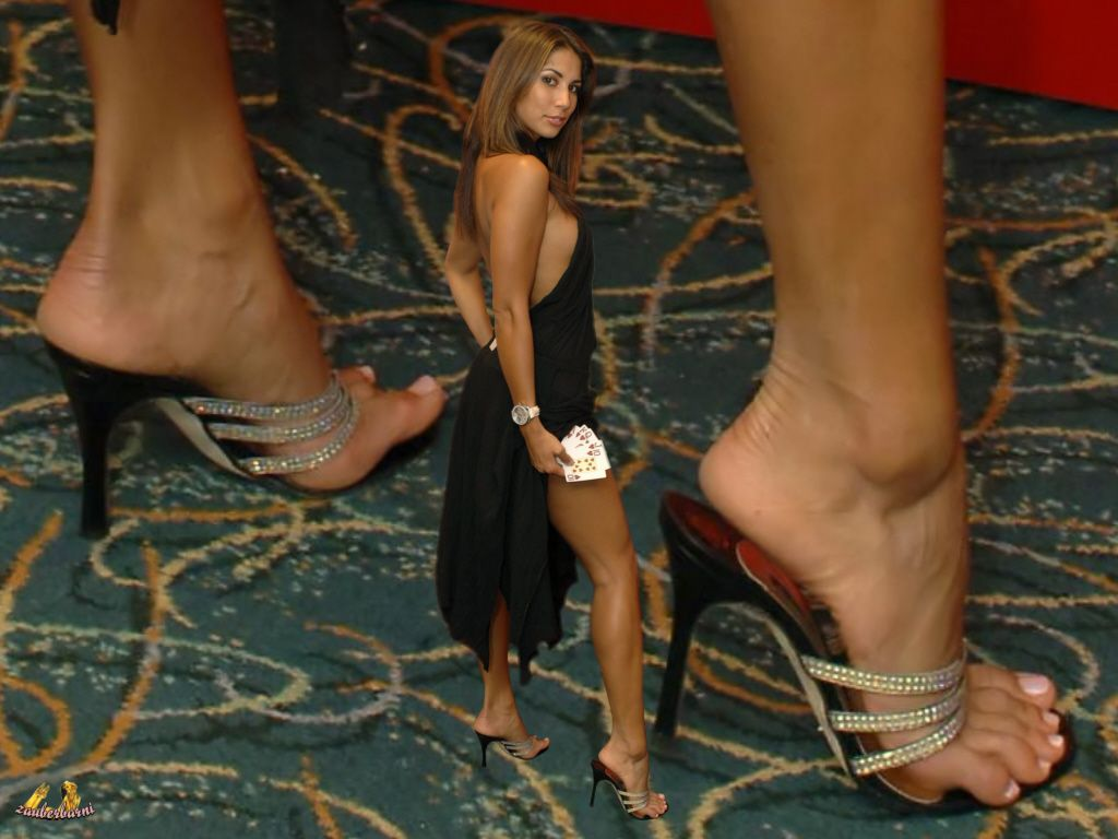 Feet Leilani Dowding nude (38 foto and video), Tits, Fappening, Twitter, swimsuit 2015