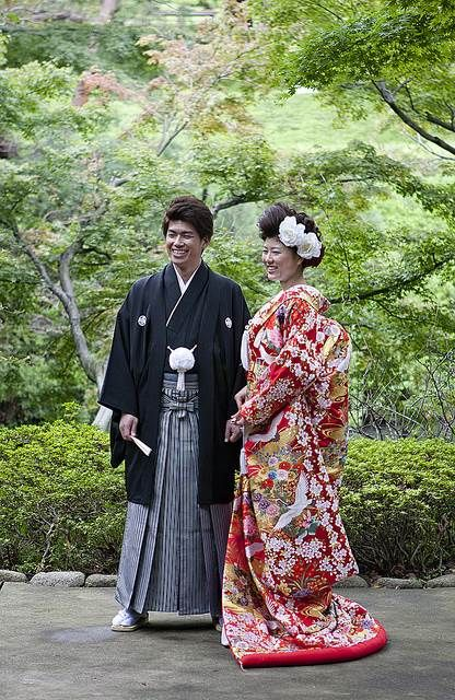 traditional clothing of japan and saudi Traditional japanese casual clothes samue, jinbei & juban (作務衣&甚平) for wearing at home, on informal occasions or at the dojo seido is the only japanese brand created and managed by.