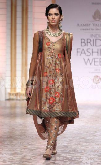 Ashima Leena em Aamby Valley Índia Fashion Week nupcial 2013