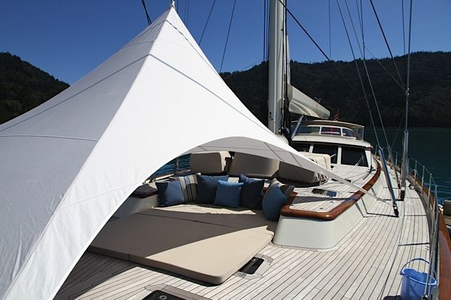 Sy Sassafras Awning By The Boat Cover Company Ltd Auckland New Zealand Www Thecoverco Co Nz Boat Covers House Tent