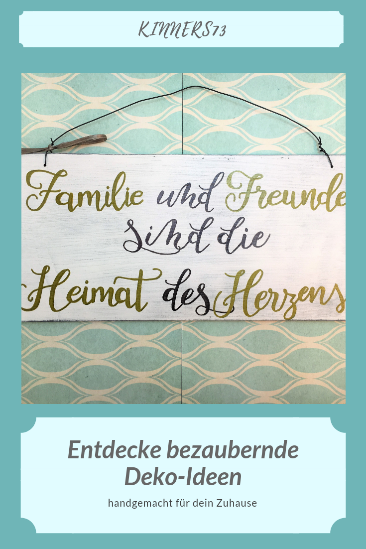 """Holzschild Deko Schild mit Spruch """"Familie und Freunde sind …"""" Vintage handgemacht Türschild Zuhause Dekor Wohndeko Wanddekoration weiß"""