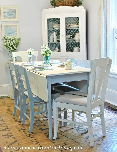 Decorating with white cottage dining rooms paris grey for White painted dining table