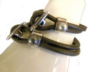 Tahitian Pearl on leather- unisex bracelet