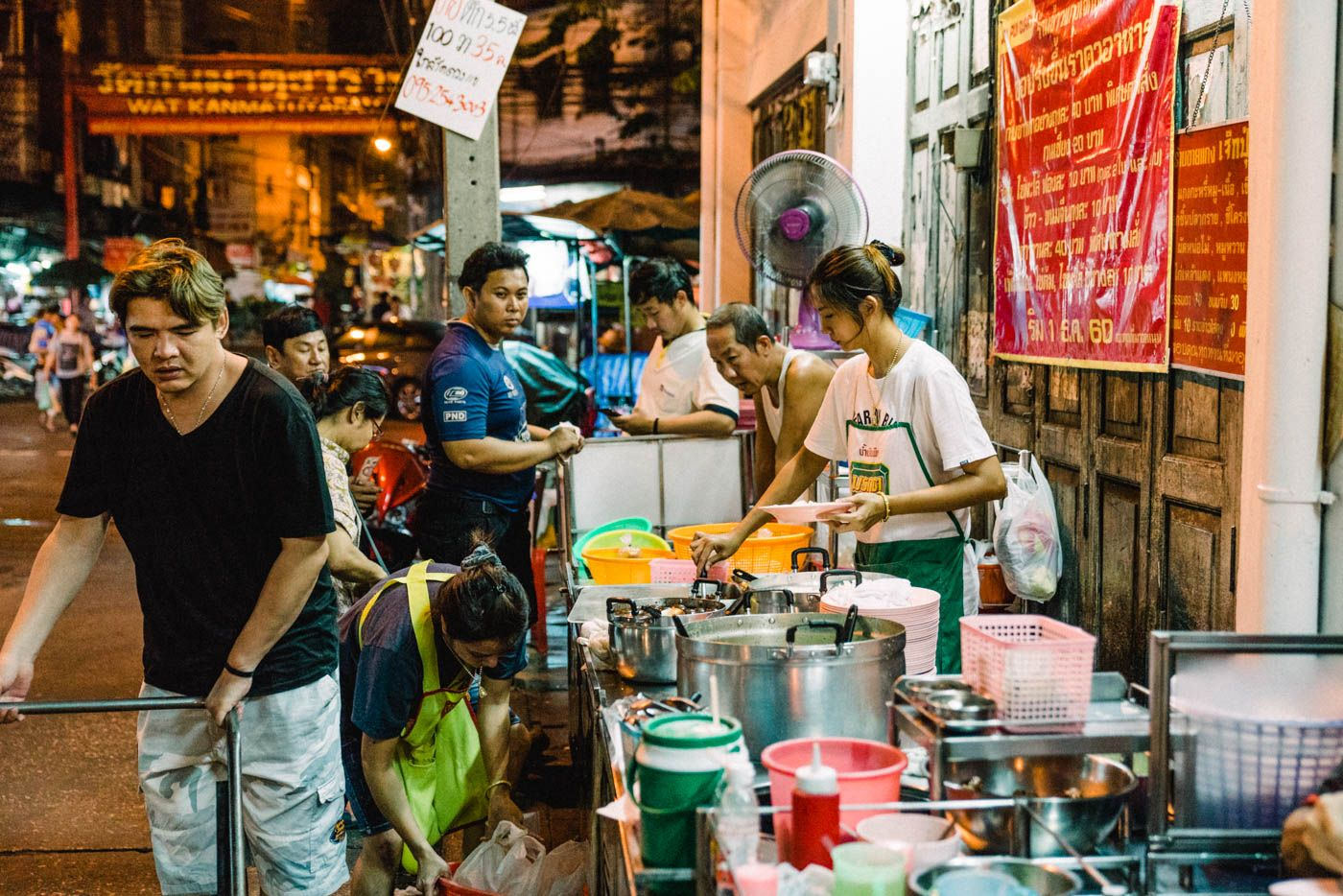 Street Food Tour Bangkok And The Bangkok Must Eat Dishes Food Tours Street Food Thai Street Food
