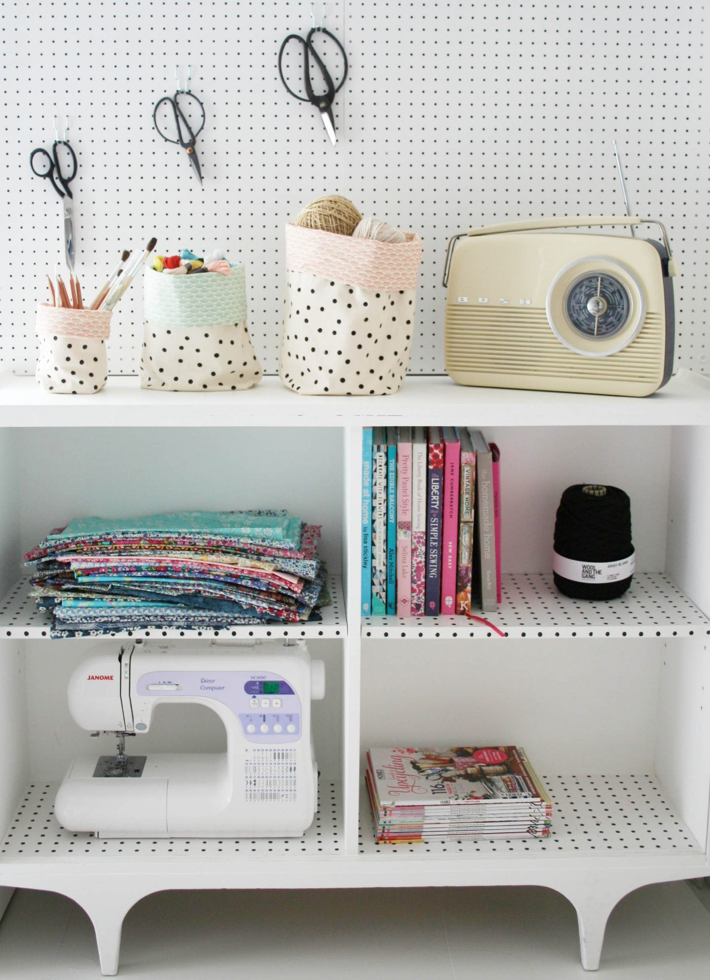 How to make fabric buckets for storing craft materials, toys or ...