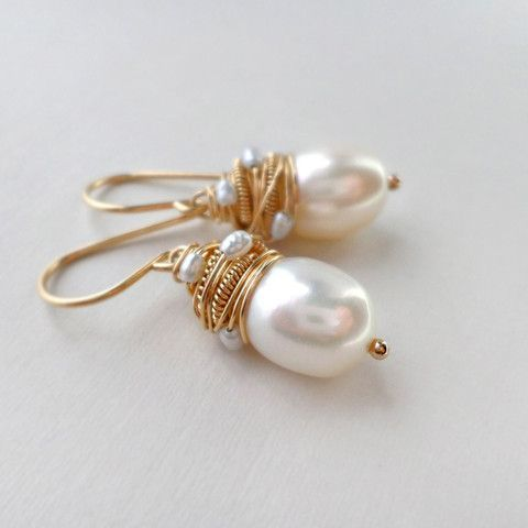 Allie Earrings #pearljewelry