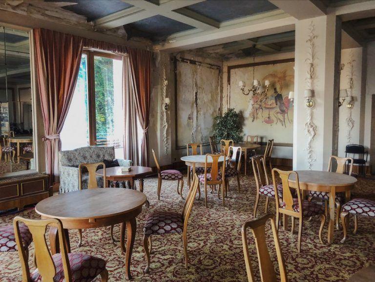 Hotel Waldlust Das Verlassene Hotel Im Schwarzwald Black Dots White Spots Hotel Schwarzwald Schwarzwald Hotel