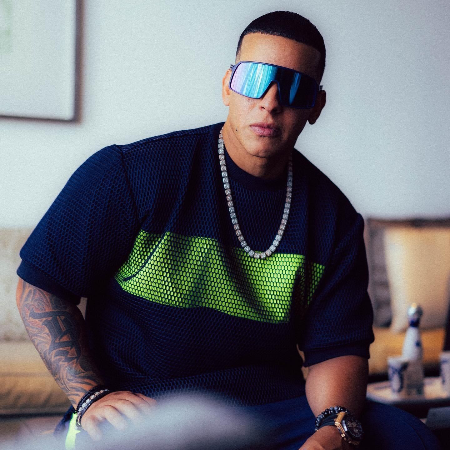 Pin By Irm On Daddy Yankee In 2020 Daddy Yankee Gorgeous Men Daddy
