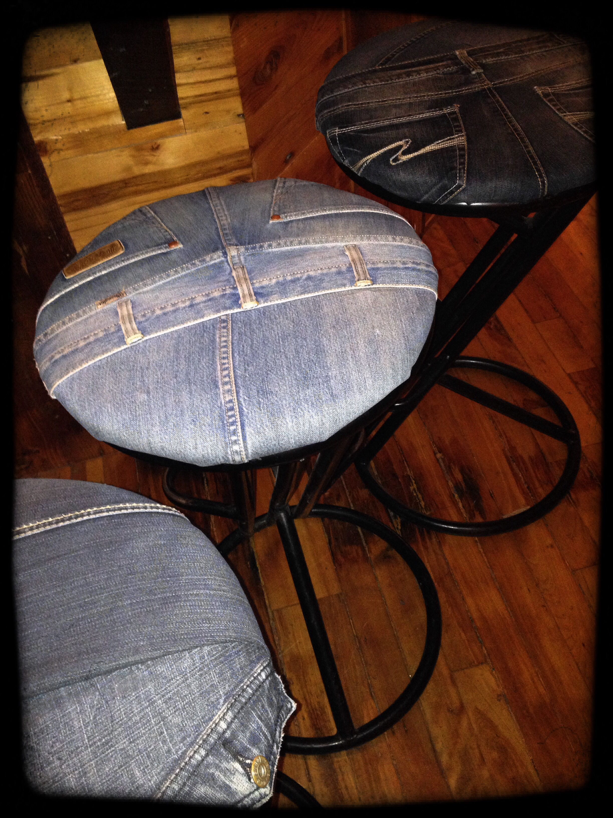 What A Great Idea To Recycle Old Bar Stool With Denim Diy Pinterest Bar Stool
