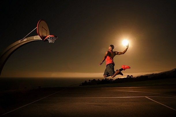 Anthony Davis dunking sun.
