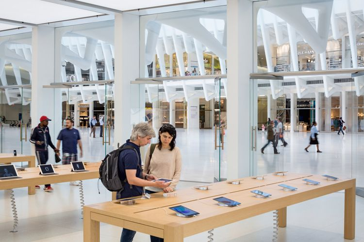 Apple's newest Manhattan store, designed by Bohlin Cywinski Jackson, has opened inside therecently completed Santiago Calatrava's World Trade Center Oculus.