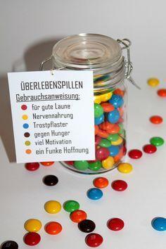 DIY Einmachglas Überlebenspillen selber machen - perfektes Geschenk