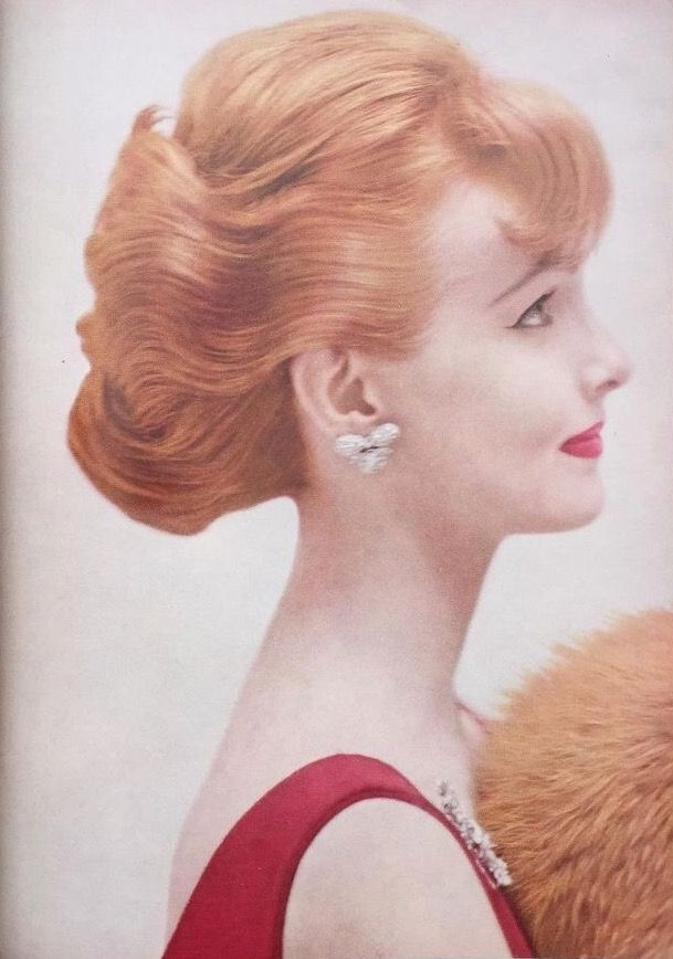 Photo By John Rawlings In Vogue 15 October 1955 Julen M A Vintage Hairstyles Fifties Fashion Clairol Hair Color