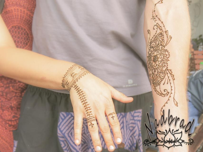 Henna Tattoo Vancouver Bc : The henna lounge by nadbrad market stall