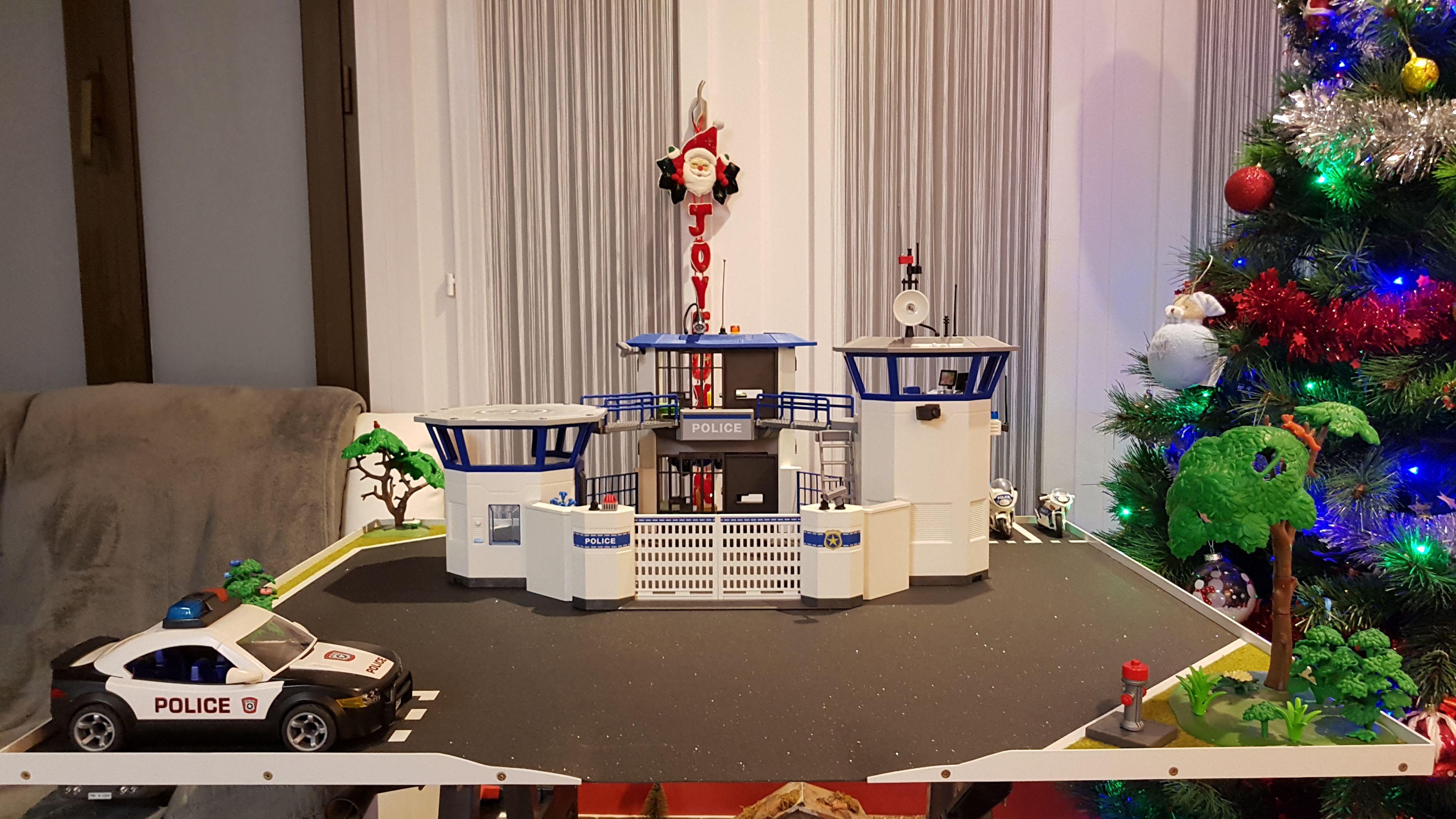 Mise En Sc Ne Du Commissariat De Police Avec Prison 6919 Playmobil