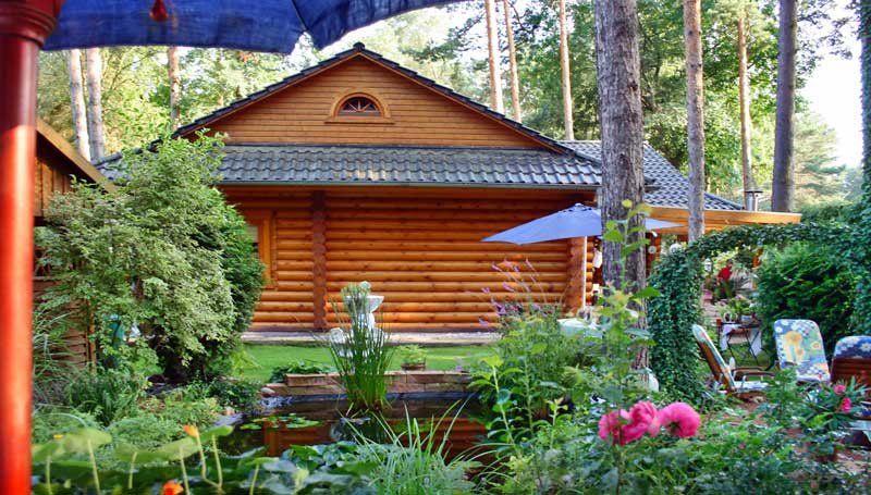 Blockhaus In Rundstamm Wird 10 Jahre Blockhaus Bauen Haus Style At Home