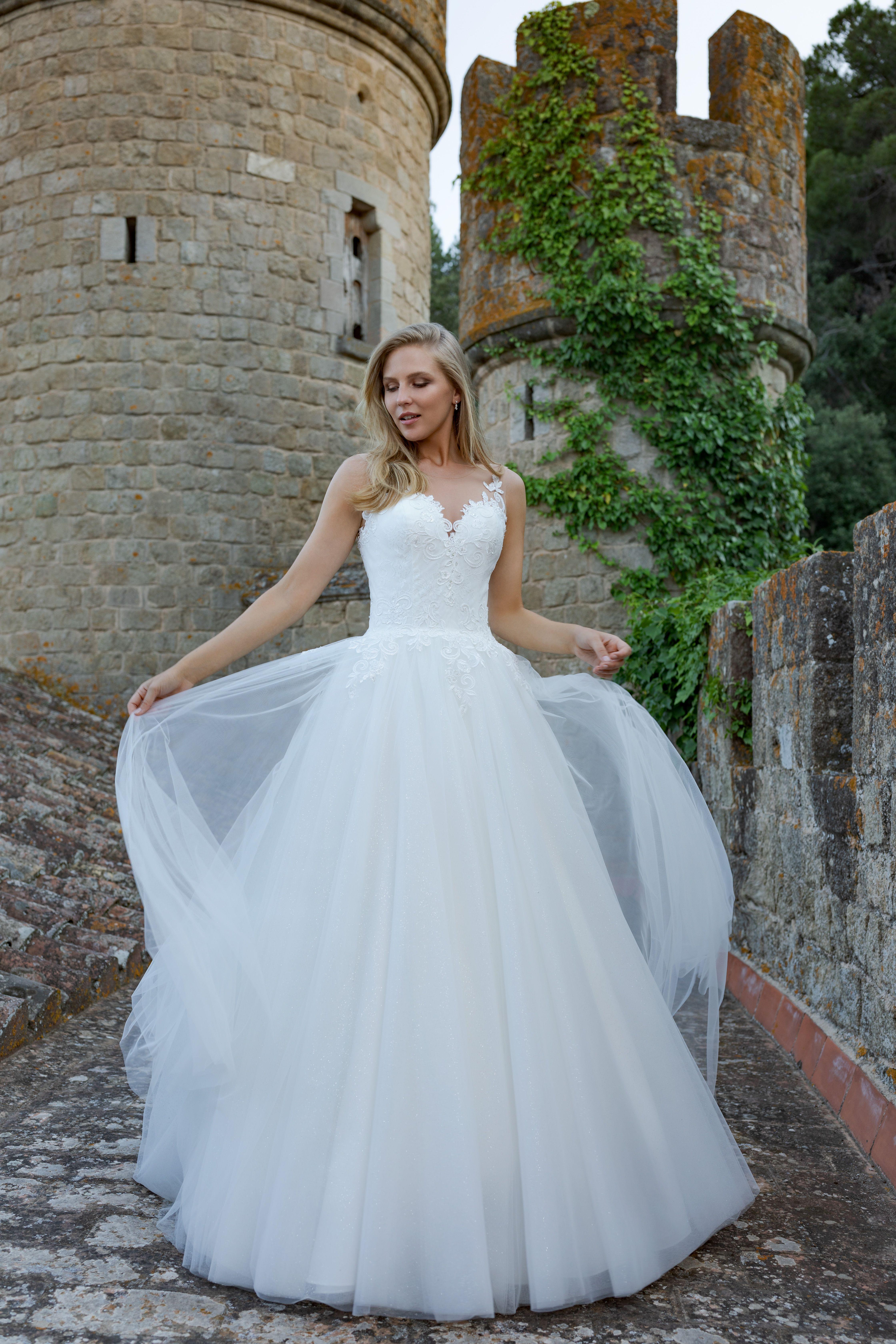 Amera Vera Kollektion 17 Fashion Queen  Brautmode, Braut und