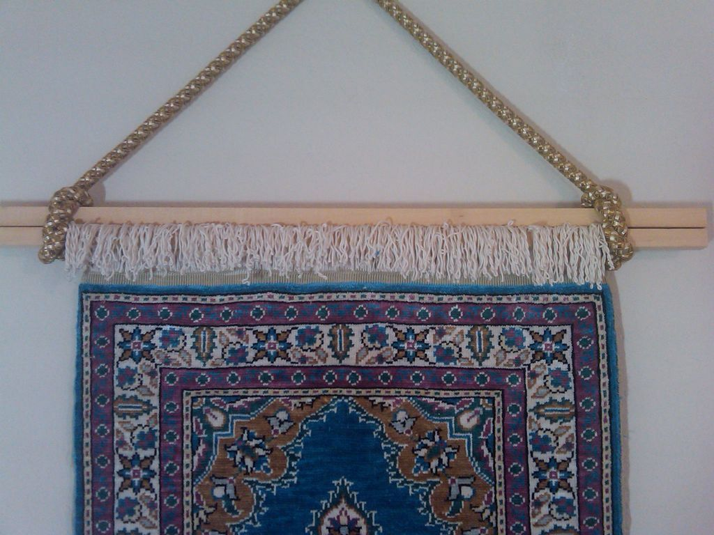 Hanging fringed rug on wall hanging fabric rugs