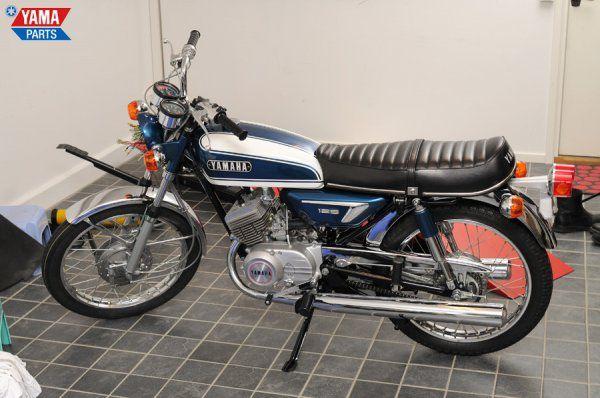 Yamaha AS3 - 125cc 2 stroke twin   Yamaha, Motorcycle, Twins on