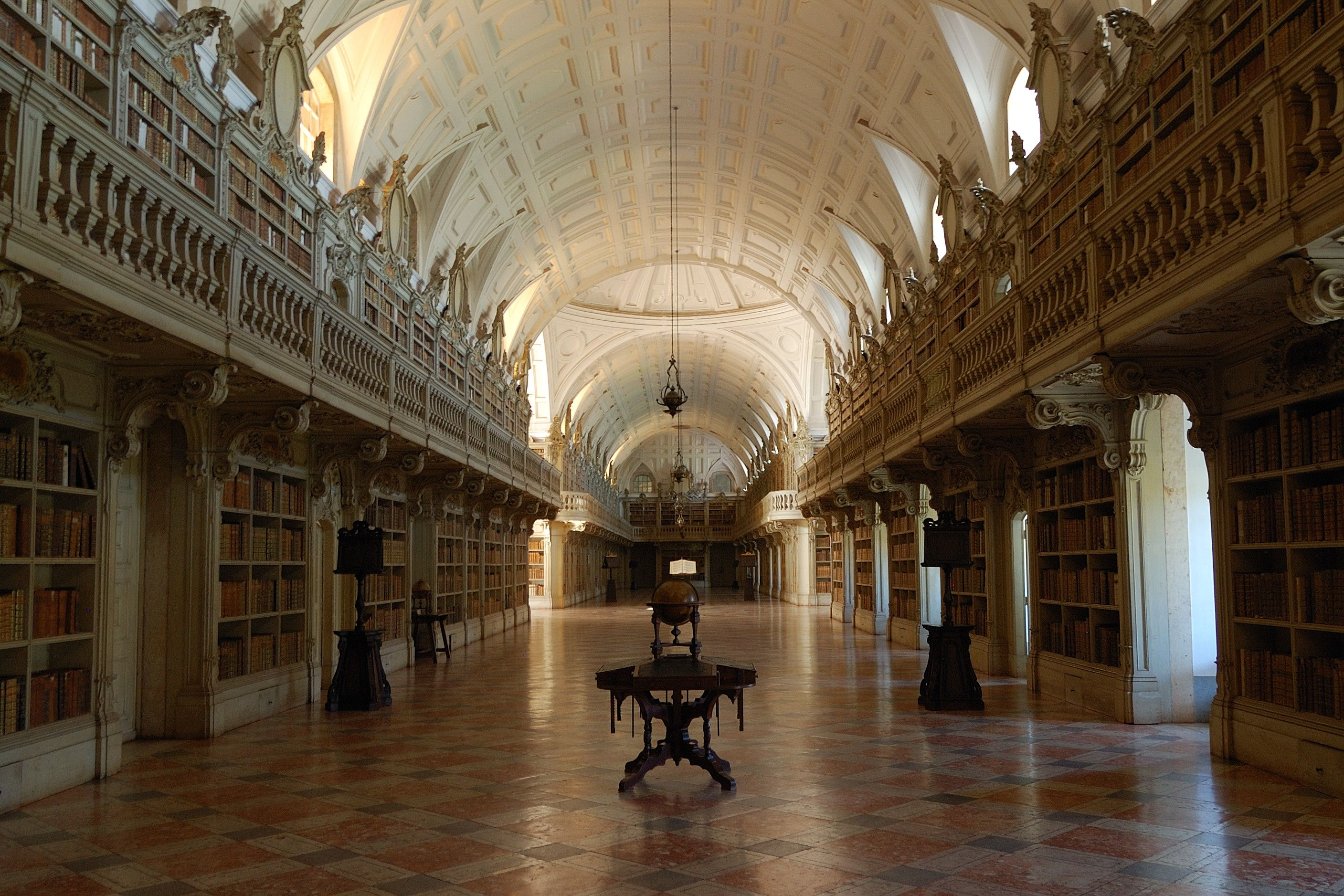 Biblioteca do Palácio Nacional de Mafra | Library of Mafra National Palace