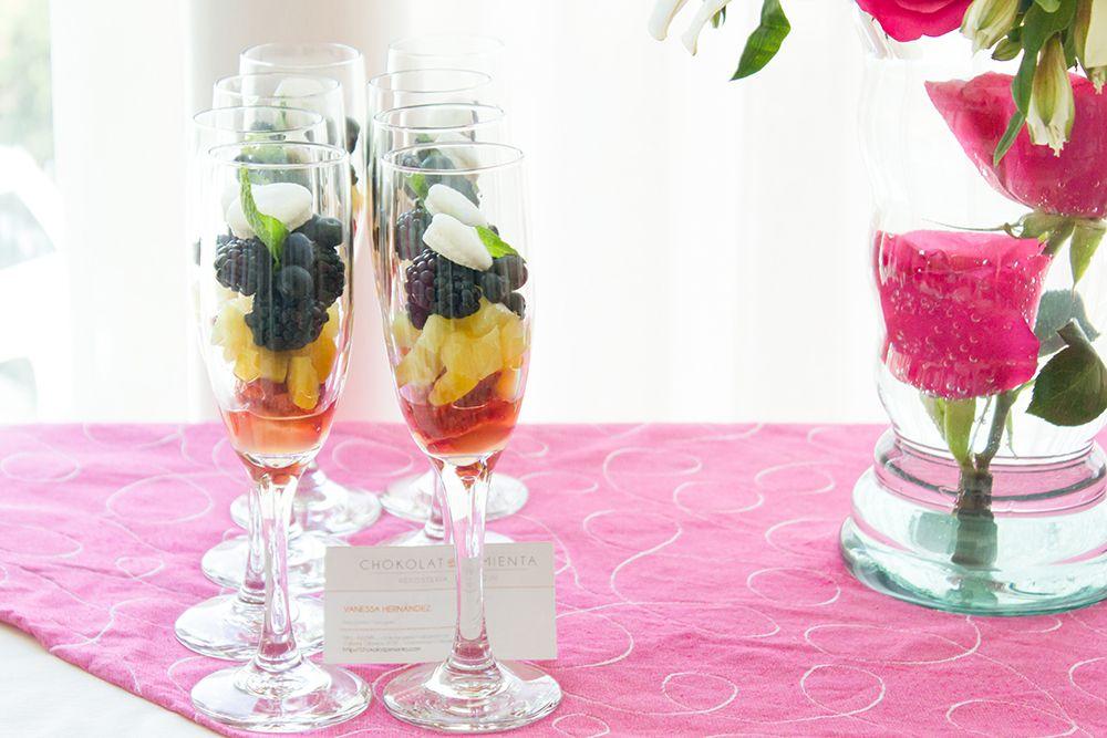 Copas de frutas & French Macaron