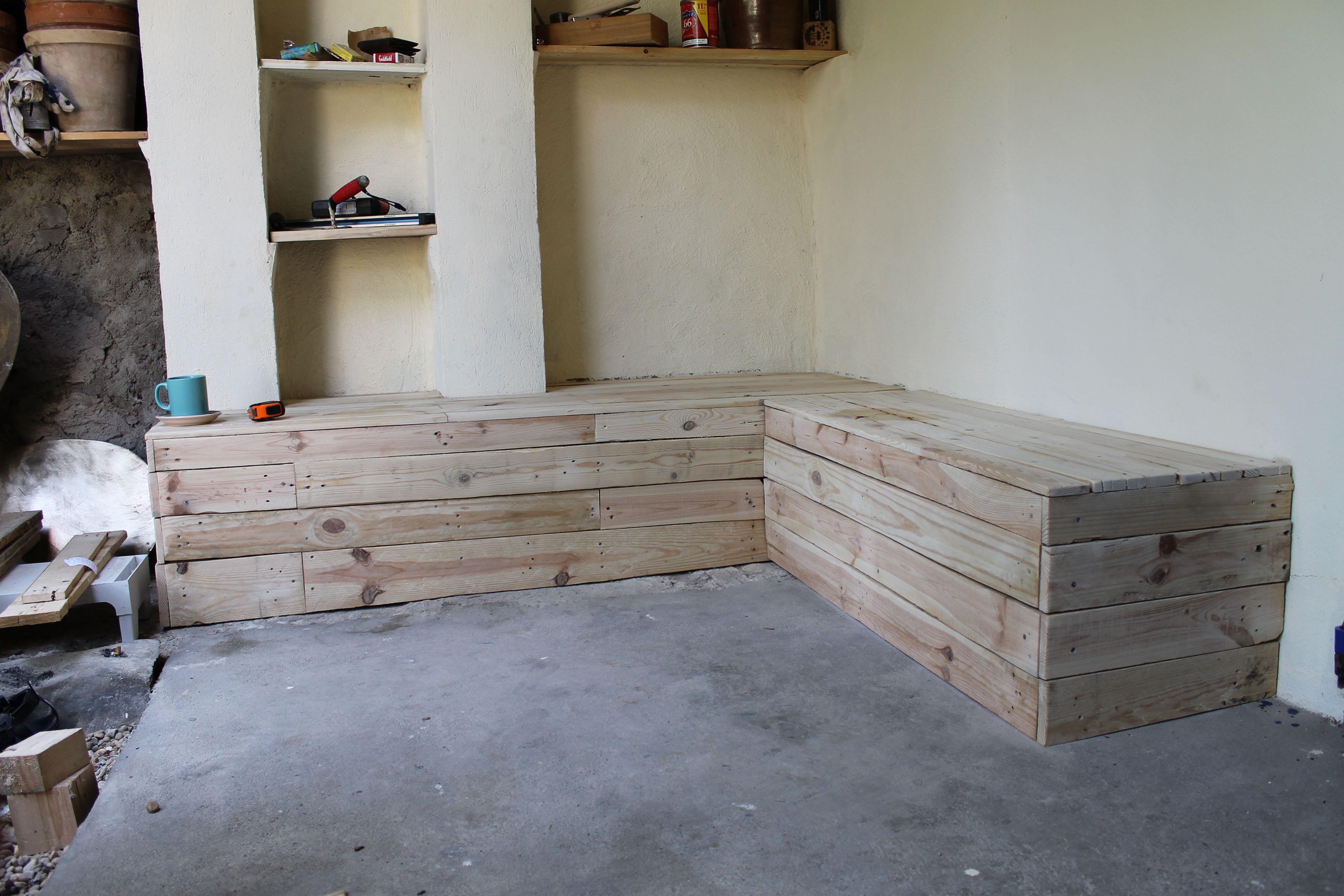 Salon de jardin entièrement récup, bois de palettes,... | Bosch Les ...