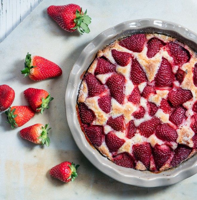 Torta morbida alle fragole (Un\'americana in cucina) | Fragole, Torta ...