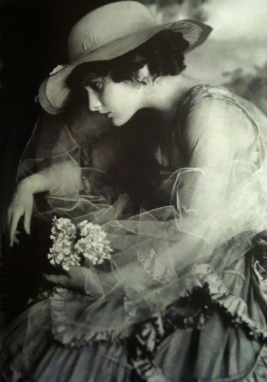 Evelyn Brent - 1920's
