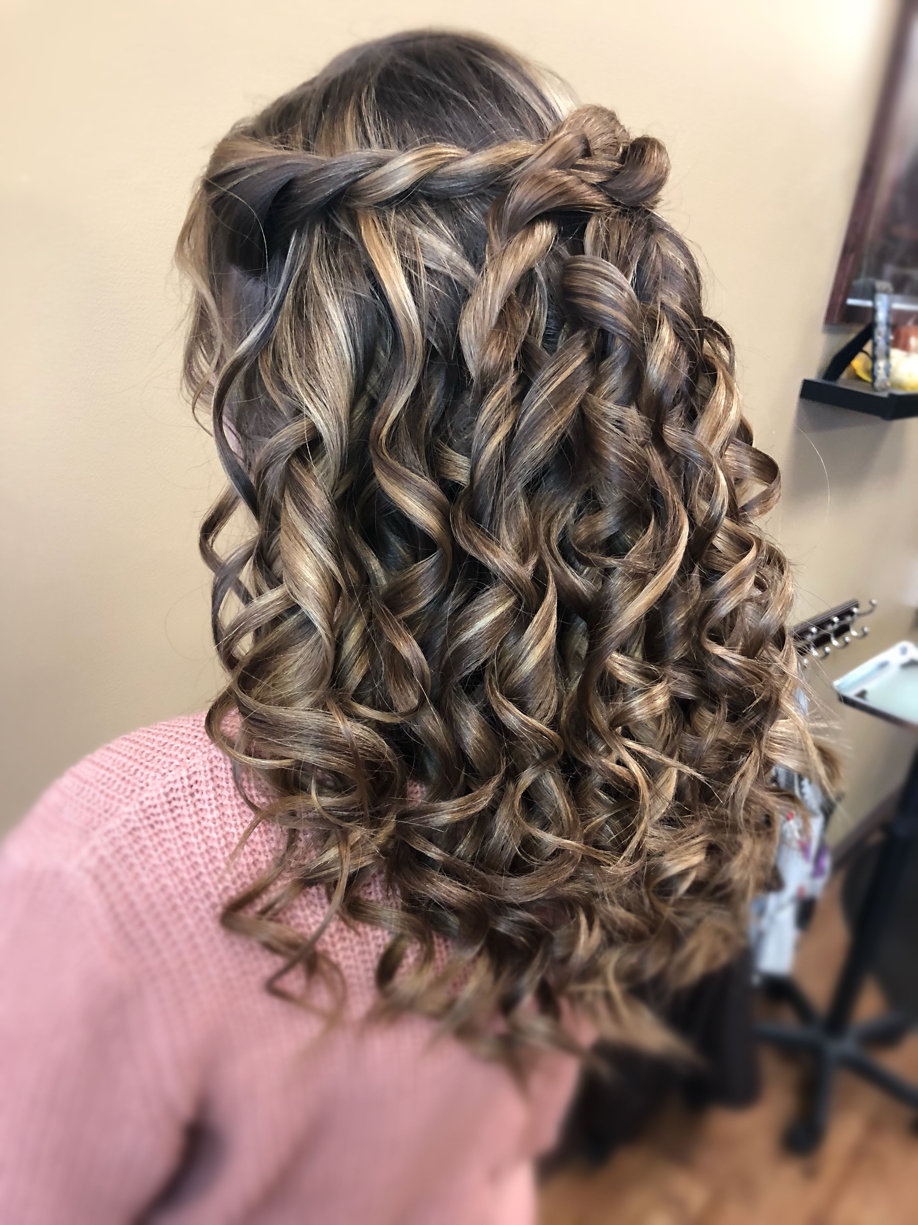 Homecoming hair 2018 wand curls (With images) | Homecoming ...