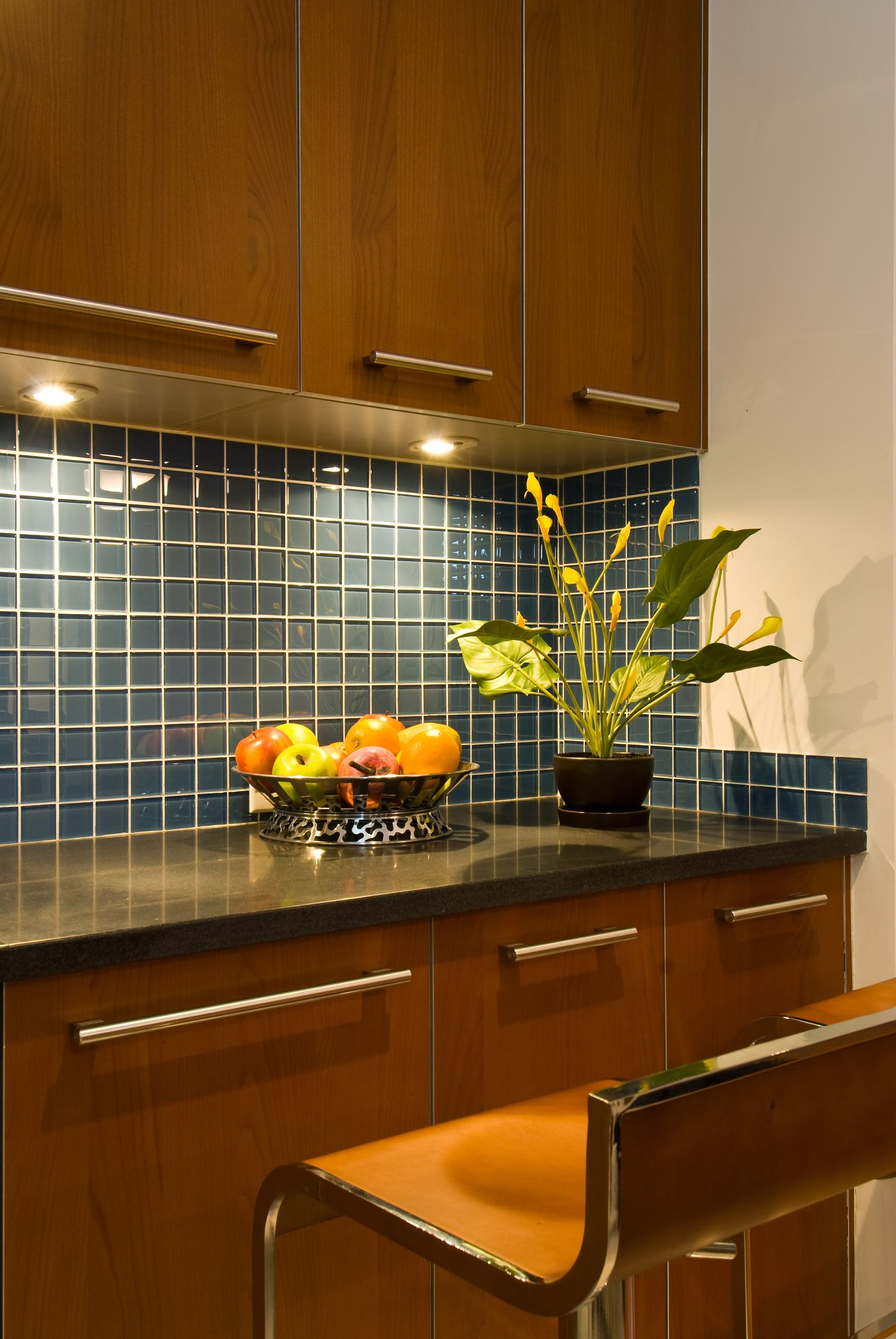Tips On Hiding Wires For Under Cabinet Lighting Simple Kitchen Design Kitchen Remodel Small Clean Kitchen Cabinets
