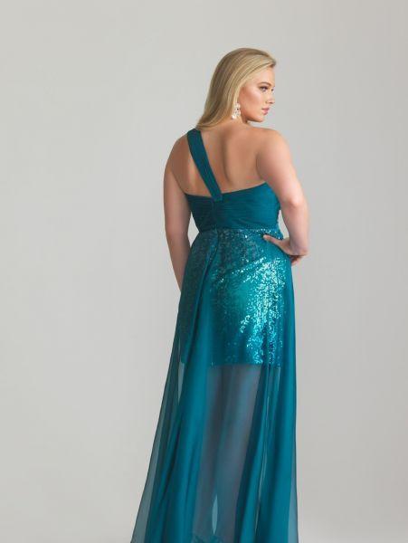 Foto 17 de 56 Detalle de la espalda de este diseño con falda en semitransparencia | HISPABODAS