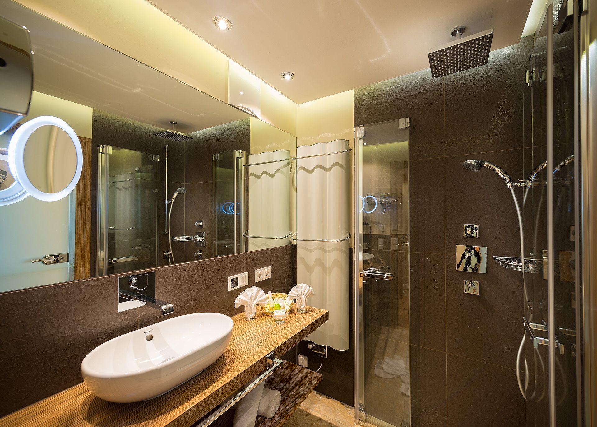 Badezimmer Hotel ~ Neue junior suiten badezimmer verwöhnhotel berghof 4 sterne