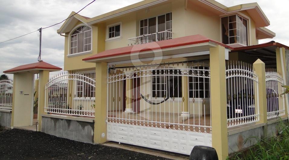 Cerramientos de casas con garaje buscar con google ideas de casas y dormitorios pinterest - Cerramientos de casas ...
