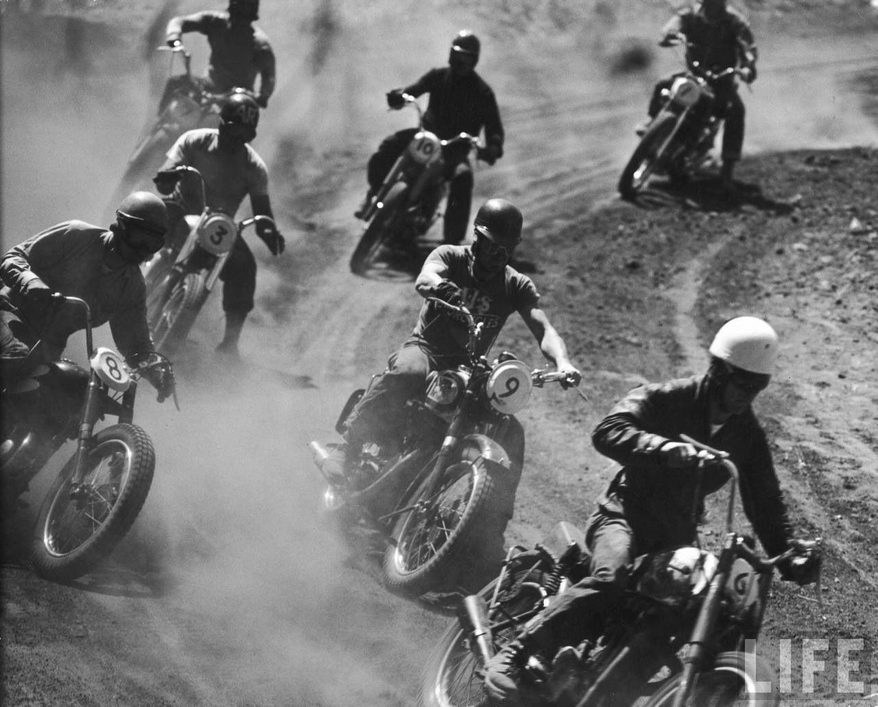 Vintage Motorcycle Racing Com Imagens Fotos Look