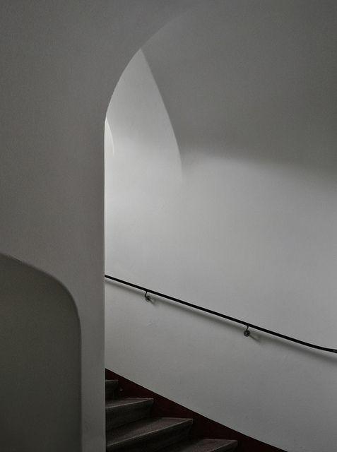 sigurd lewerentz, architect: eneborg's egnahem, workers' housing, helsingborg, skåne 1917-1918. stairs. by seier+seier, via Flickr