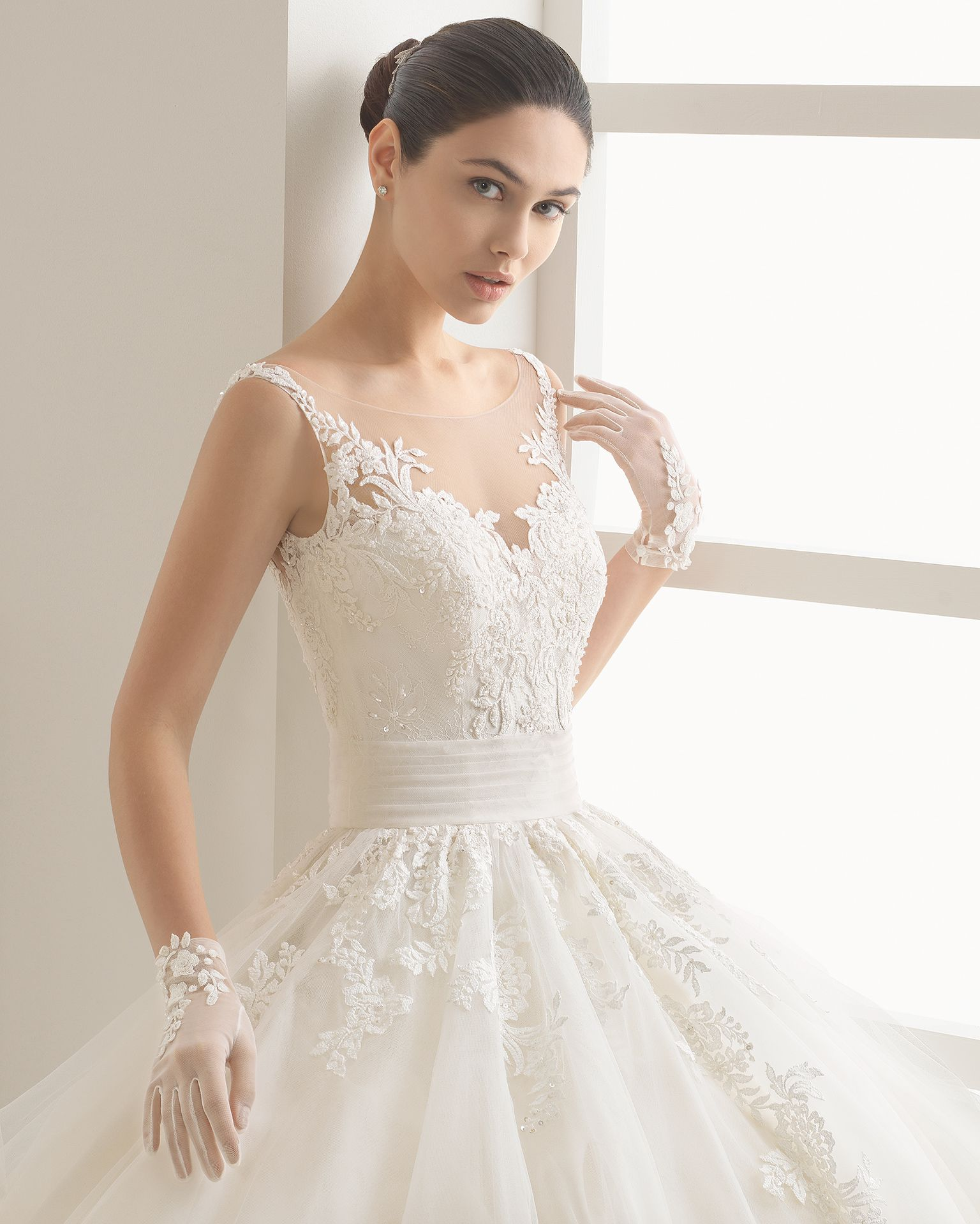 OCULTO - 2017 Bridal Collection. Rosa Clará Two. | Pinterest | Tulle ...