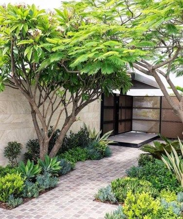 50 Inspiring Small Courtyard Garden Design Ideas for Your House #smallcourtyardgardens